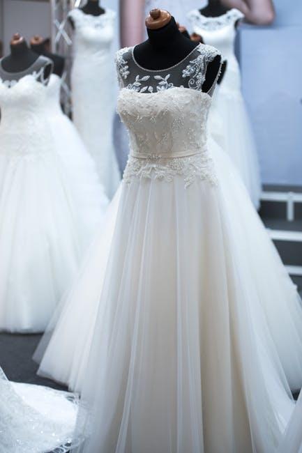 فساتين زفاف باسعار مميزة